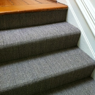 Stairs in Fine Ribbed Granite Sisal